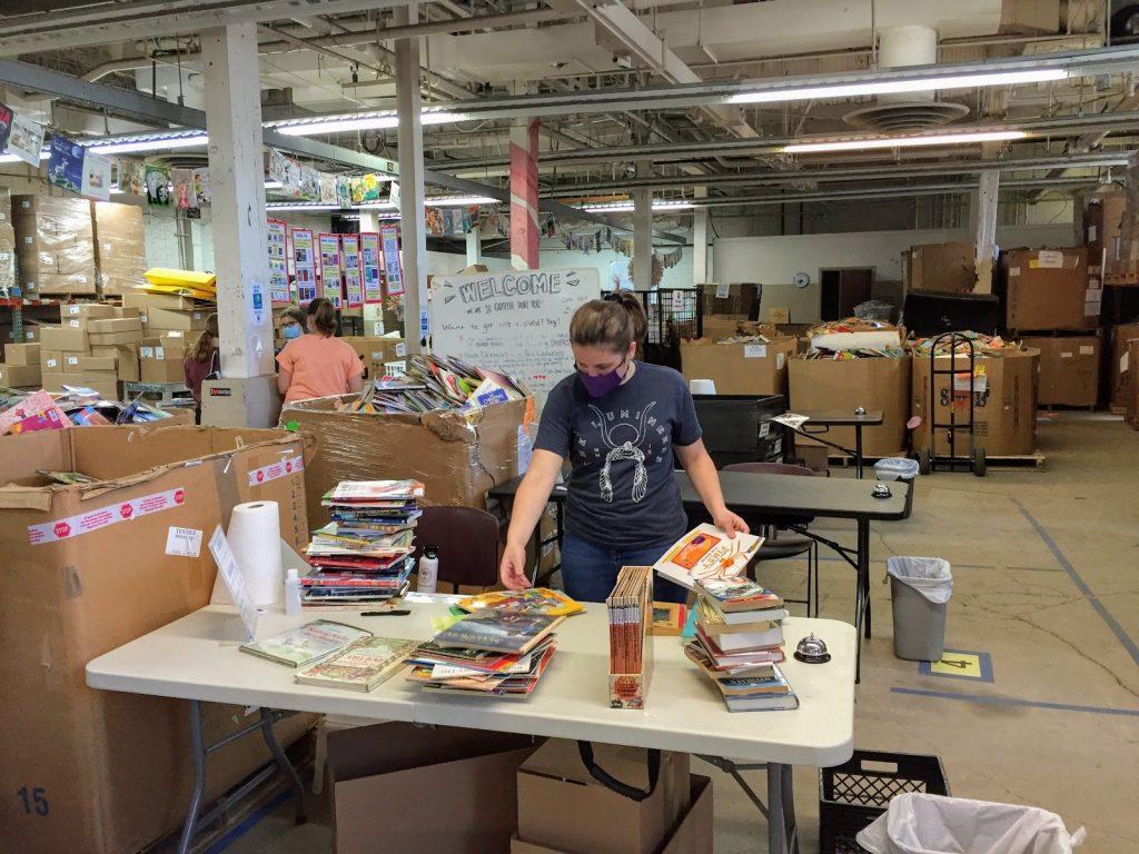 Cleveland Kids' Book Bank volunteer wearing a mask